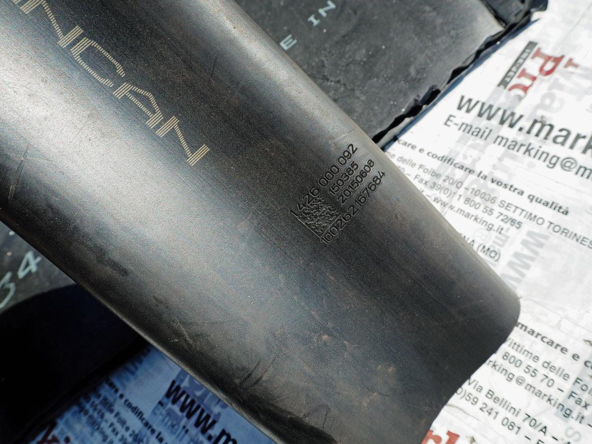 Marcatura Su Gomma Cruda Svolta Con Hitachi Lm-C310 - Laser Co2