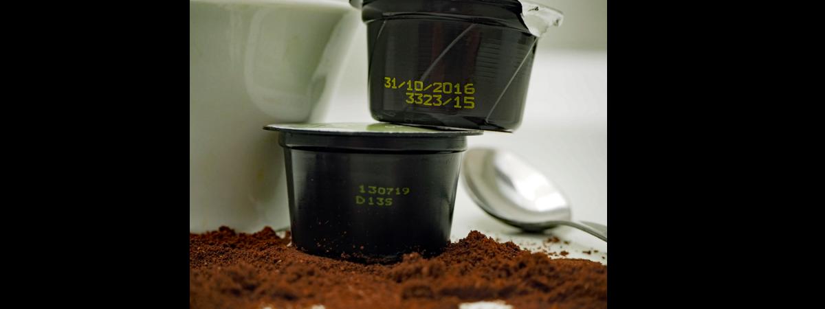 Marcatura Su Capsula Di Caffè Effettuata Con Getto D'inchiostro Continuo Hitachi Ux D160W